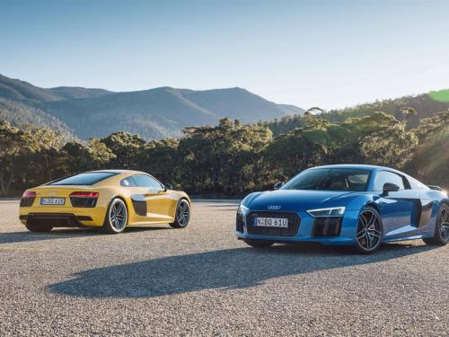 Audi-R8-V10-cars-yellow-and-blue_1600x1200