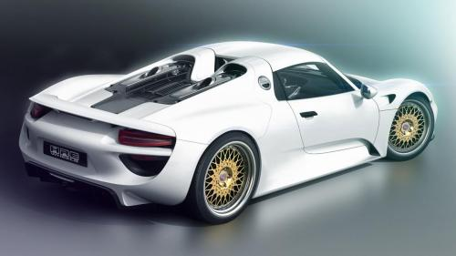 Porsche-918-white-supercar-back-view_1920x1080